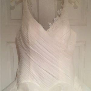 Vera Wang White collection wedding dress size 8